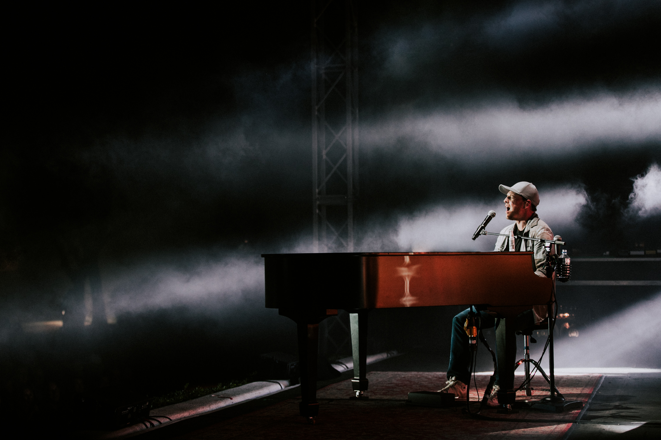 gavin-degraw-grand-piano-live-concert-tour-AnnaLeeMedia