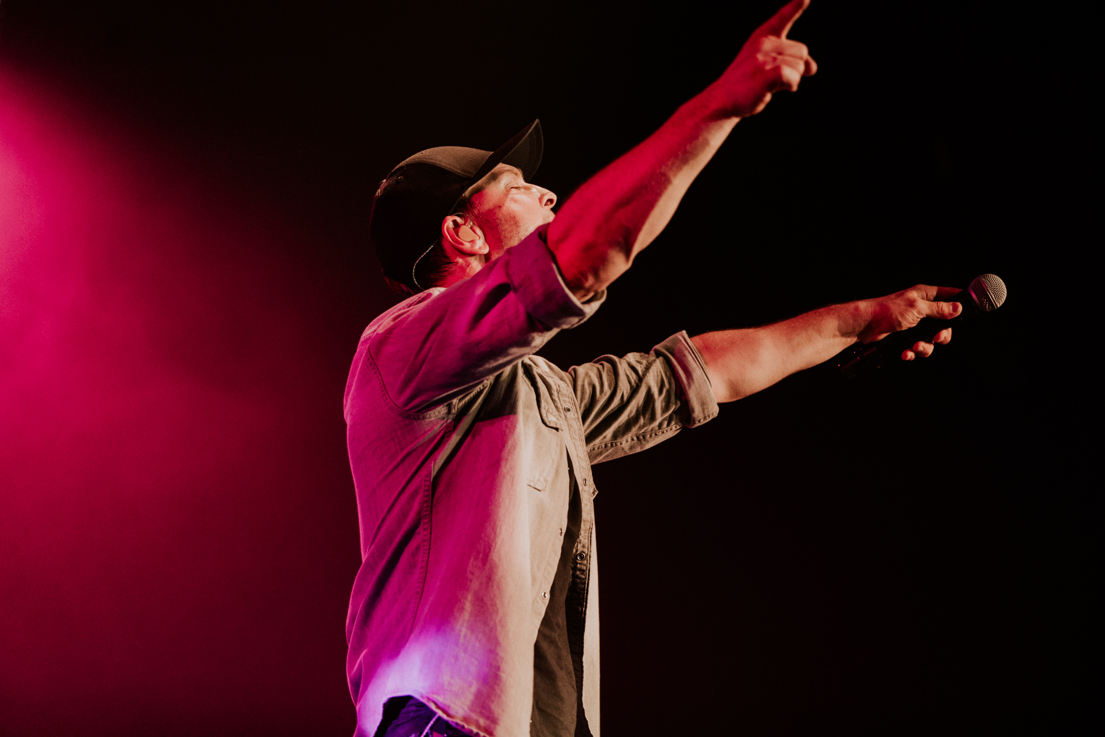 gavin-degraw-pink-light-concert-AnnaLeeMedia