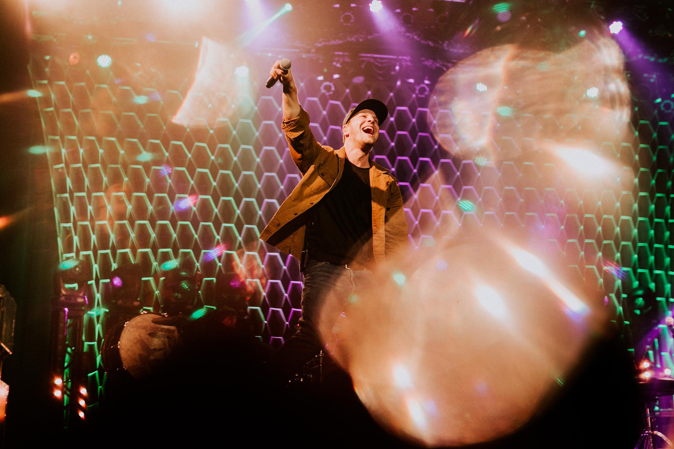 gavin-degraw-prism-light-flare-concert-AnnaLeeMedia