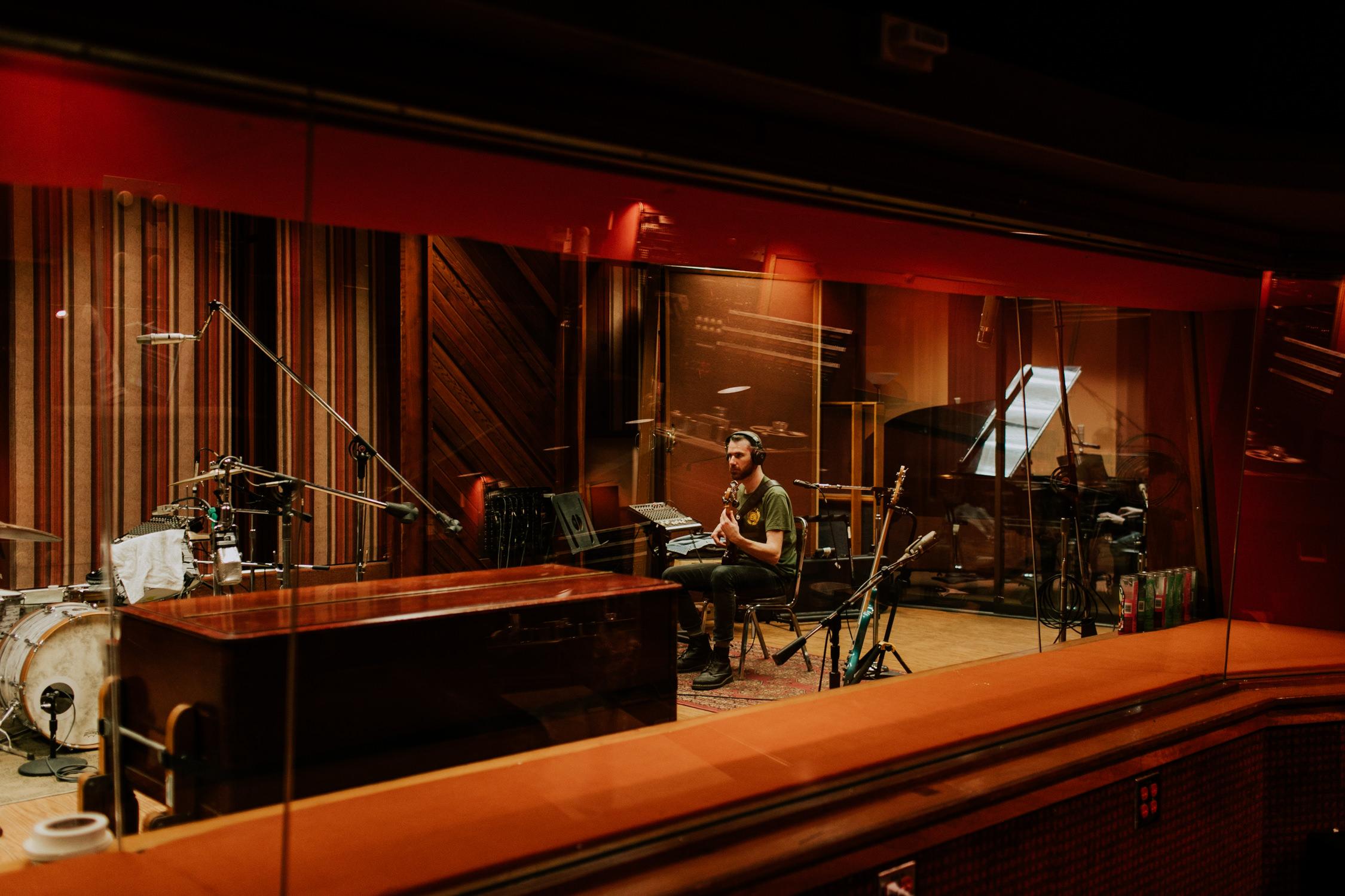 russ-flynn-sunset-sound-recording-session-bts-AnnaLeeMedia