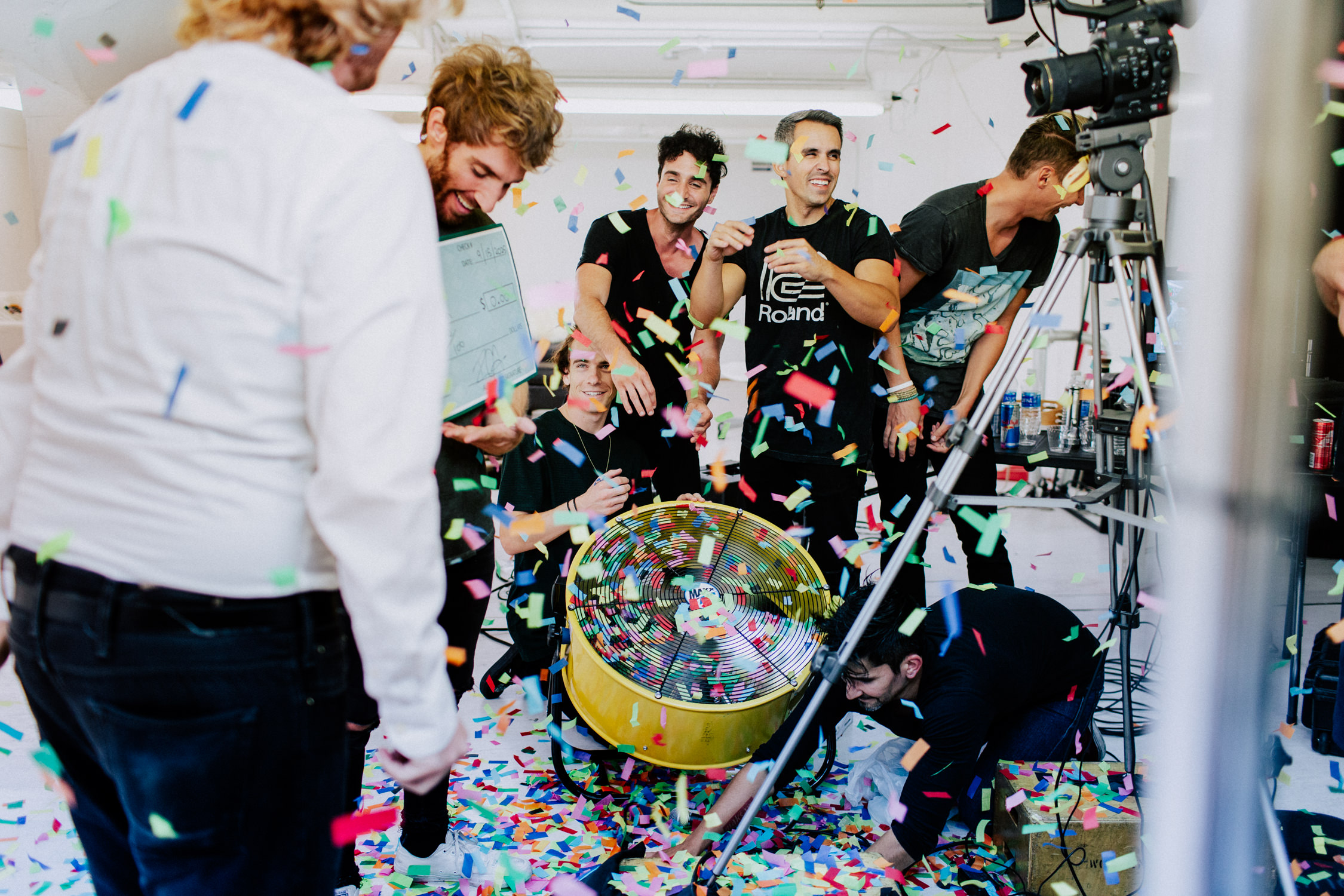 smallpools-confetti-music-video-bts-AnnaLeeMedia