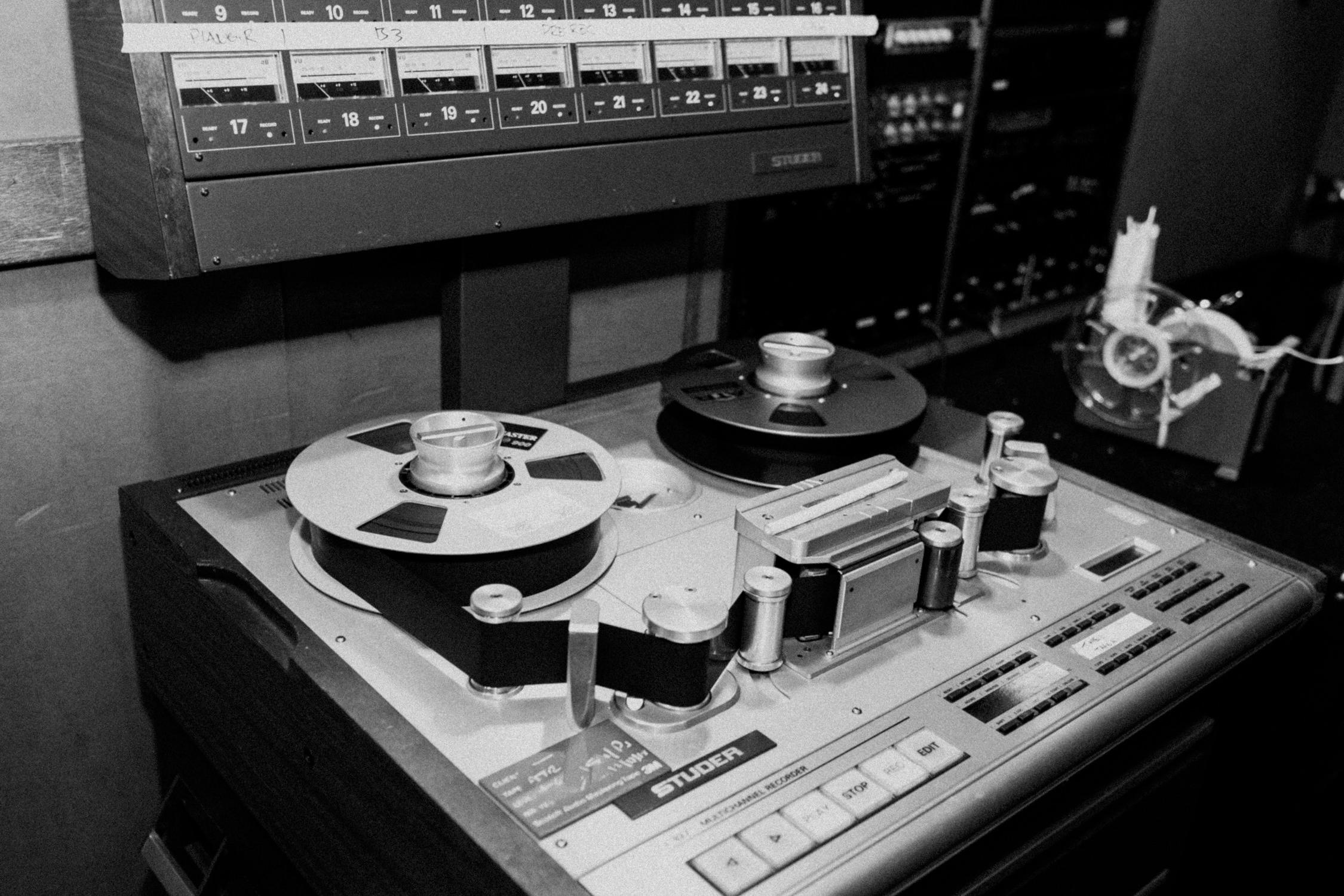 sunset-sound-studio-recording-tape-AnnaLeeMedia