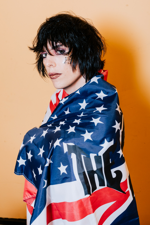 the-struts-merch-flag-luke-portrait-AnnaLeeMedia